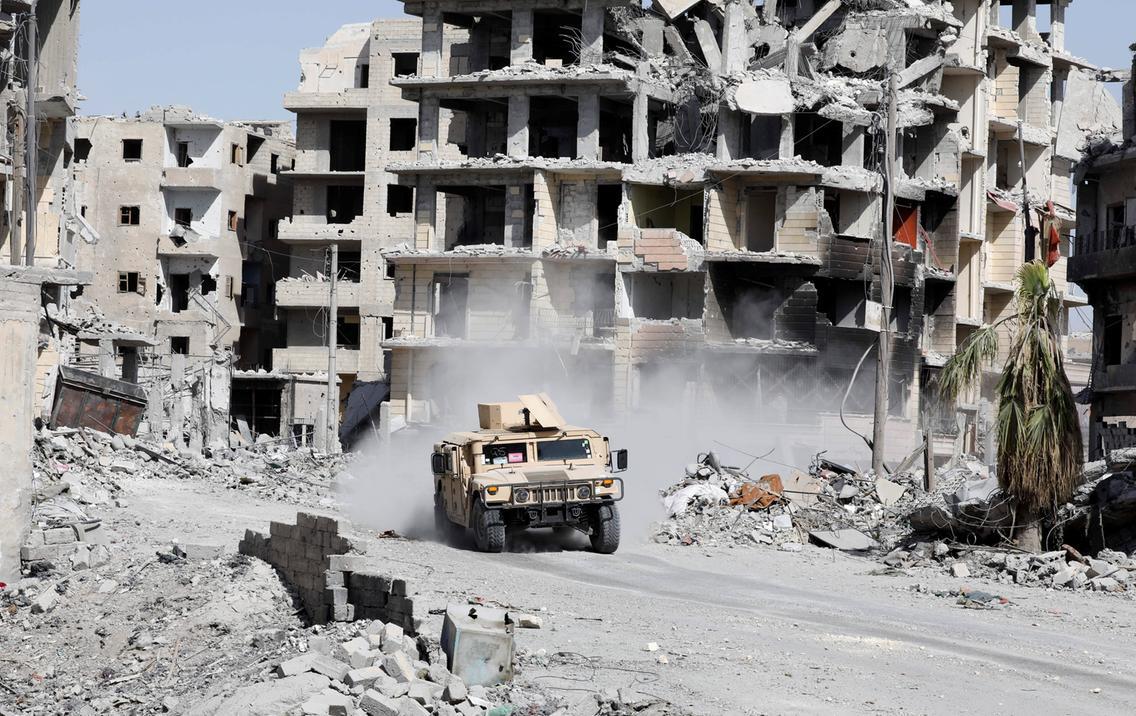 tank SDF di Raqqa, October 8, 2017 (foto: Erik De Castro / Reuters)