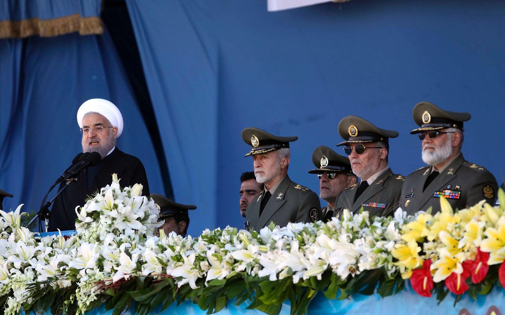 presiden dan tentara Iran