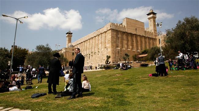 warga zionis di sekitar Masjid Ibrahimi, Tepi Barat