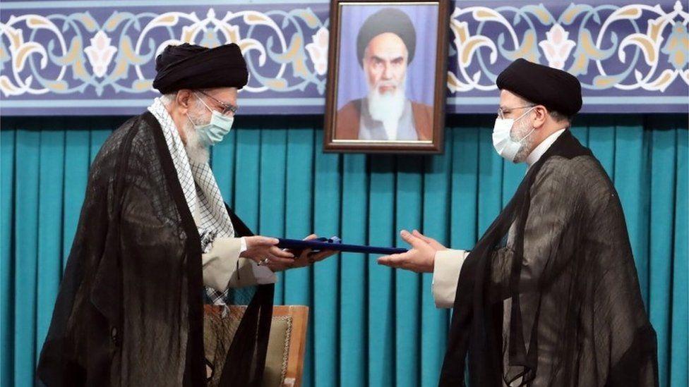 ebrahim raisi dan ayatullah khamenei