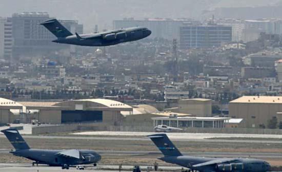 pesawat C-7 AS di Kabul